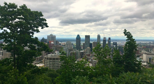 Hiking Parc Du Mont Royal - Sweeping Views of Montreal At The Top!