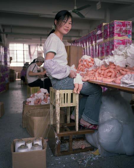 fabrica china trabajadores chinos mattel juguetes 12