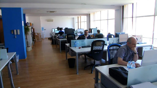 "Barcelona on Twitter: ""Are you looking for an office to rent? Check out @cowocat, the Catalan #CoWorking Association:  """