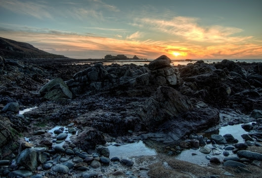 Clonque Sunset - rocks fort Ald - neilhoward | ello