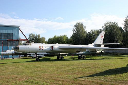 Tupolev Tu-16K 53 red
