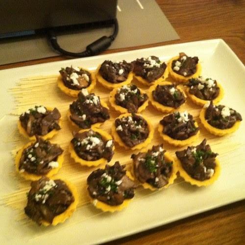 Banyak betul makanan kat Dell blogger Day ni