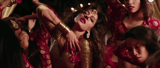 Aao Raja HD Video Song ft. Chitrangada Singh - Gabbar is Back Item Number - Entertainment