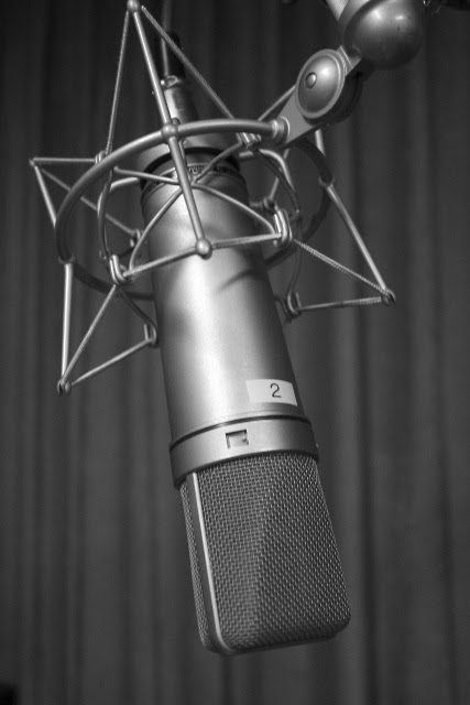 Voice Over Jobs - The Edge of a Native Speaker