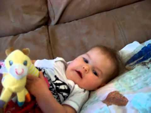 Cara Merawat Bayi Usia 7 Bulan