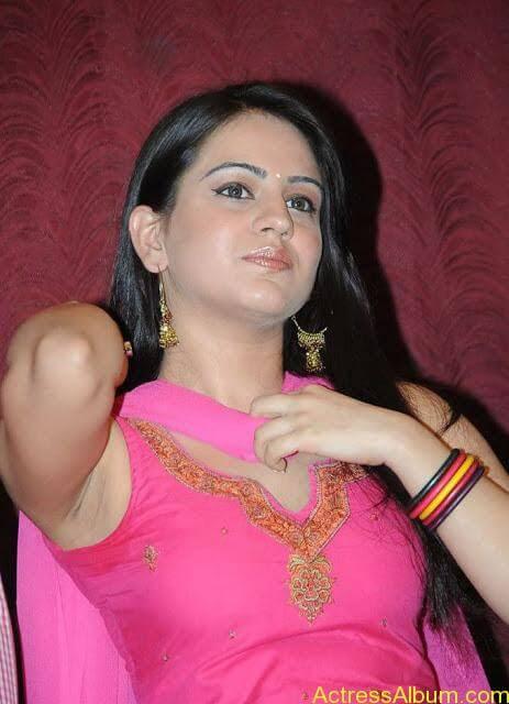 Actress Aksha Latest Hot Stills Pics1
