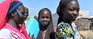 Meninas de pelo menos 70 países ainda são agredidas por querer estudar, diz relatório da ONU