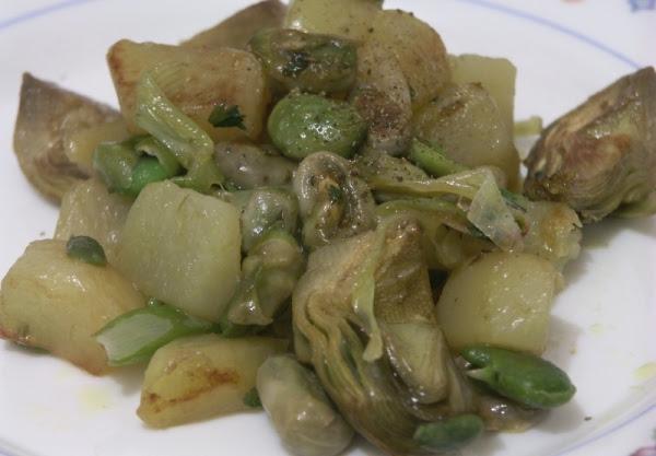 fave-patate-e-carciofi1.jpg