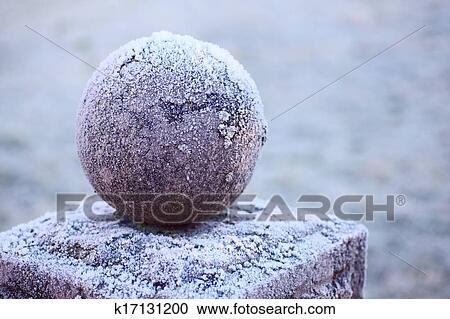 Arquivos de Fotografia - granito, bola, um pedestal. Fotosearch - Busca de Fotos, Imagens, Murais de Parede e Clipart