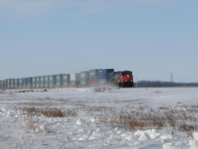 CN 2282 at Diamond, MB