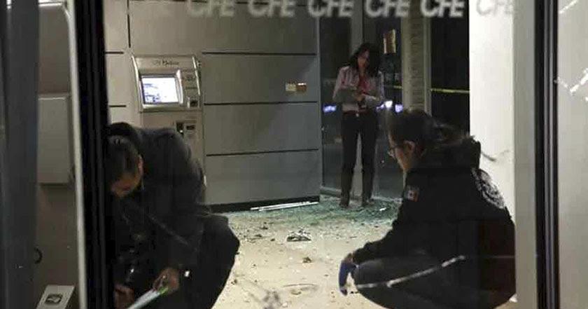 Destruyen con explosivos oficinas de CFE en la Benito Juárez