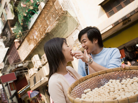 9 Food Safety Tips When Traveling Abroad