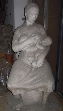 Wagner Nándor szoptató anya szobra