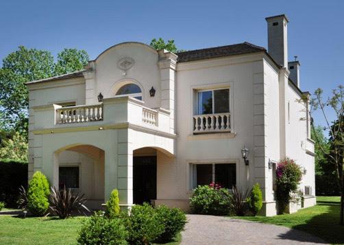 Casasdearquitectosargentinos casa de estilo cl sico for Casas estilo clasico moderno
