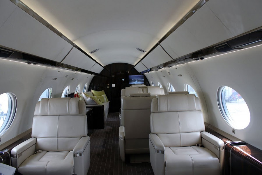 AD-Step-Inside-Rupert-Murdoch's-Luxurious-$84-Million-Private-Jet-03