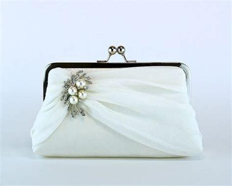 25  best ideas about Bridal clutch on Pinterest   Wedding