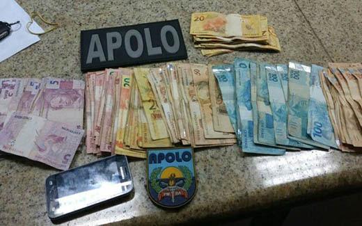 Suspeito foi abordado em blitz, no bairro de Mussurunga, na noite de quarta | Foto: Divulgação/ PM