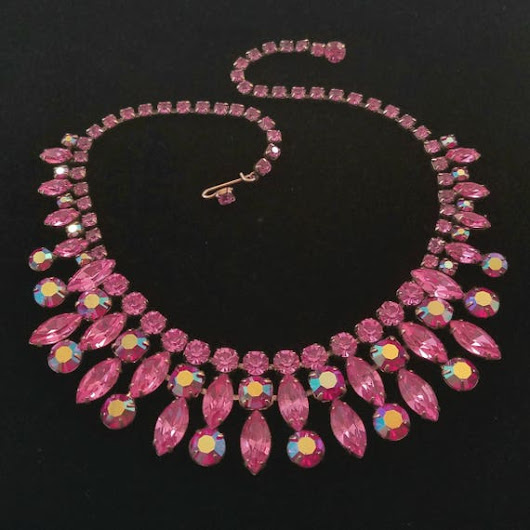 Vintage Regency Magenta and Pink Rhinestone Necklace