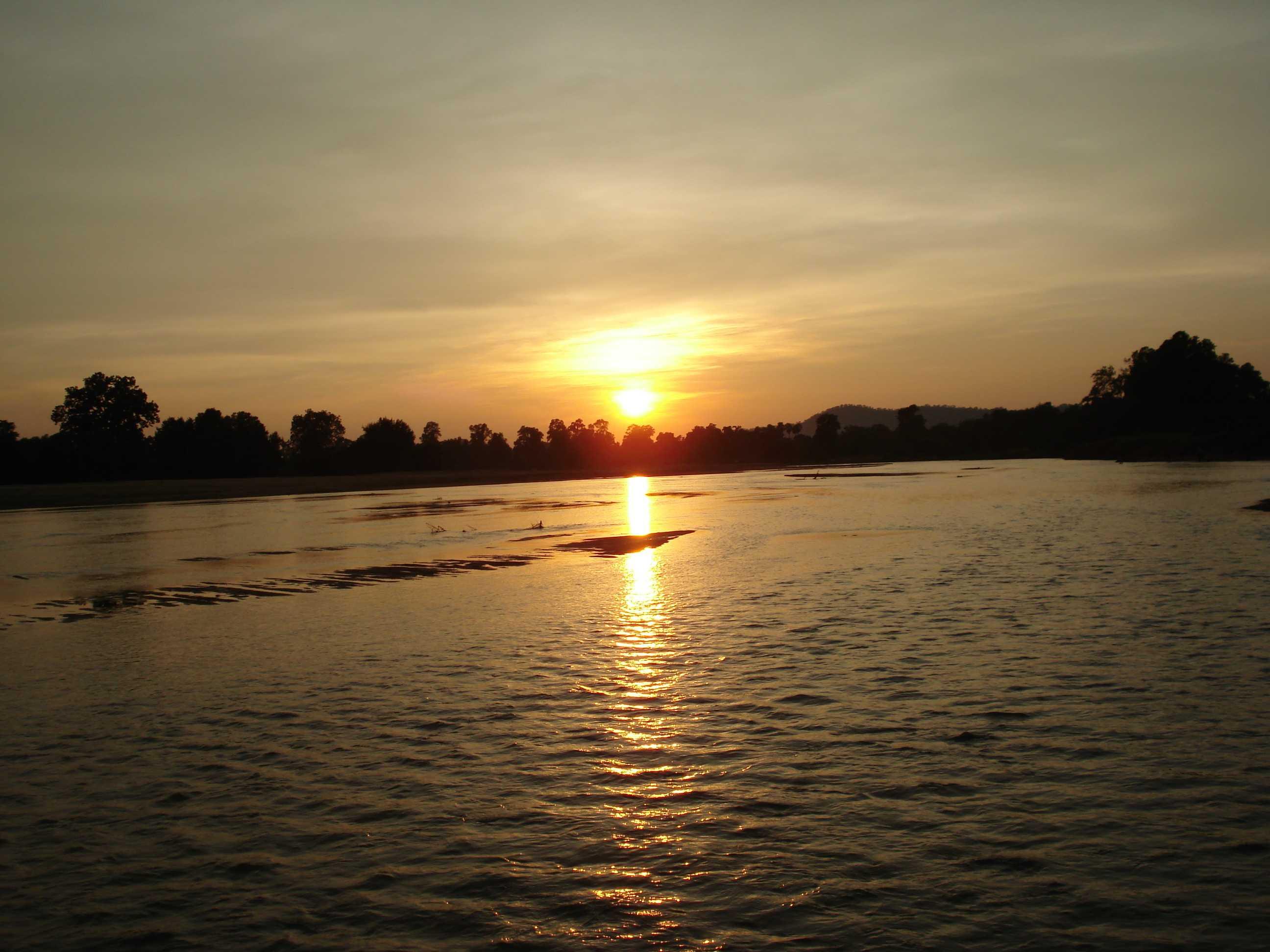 suktel_river