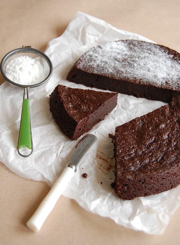 Chocolate marmalade slump cake / Bolo cremoso de chocolate e geleia de laranja