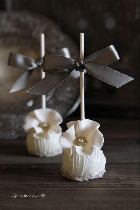 25  best ideas about Elegant cakes on Pinterest   Pretty