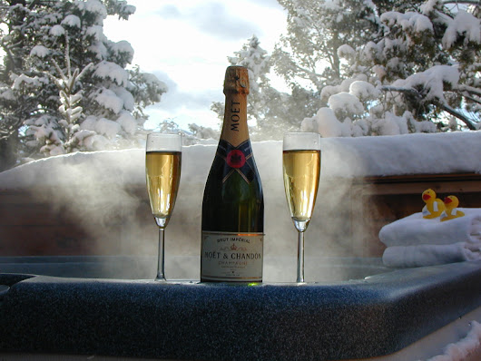 Xmas & NYE Hot Tub Hire - HotTubHireSheffield.co.uk