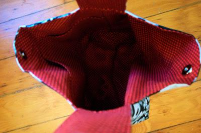 Skull knitting bag: interior