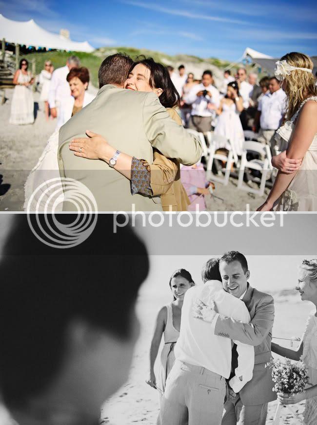 http://i892.photobucket.com/albums/ac125/lovemademedoit/welovepictures/StrandKombuis_Wedding_074.jpg?t=1324654954