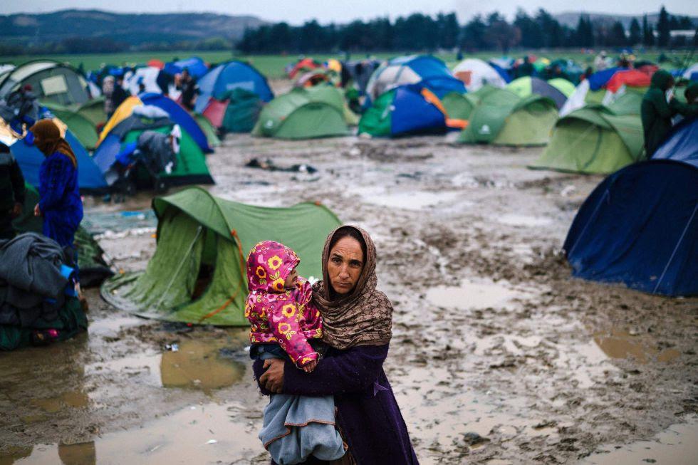 Campo de refugiados improvisado en la frontera greco-macedonia.