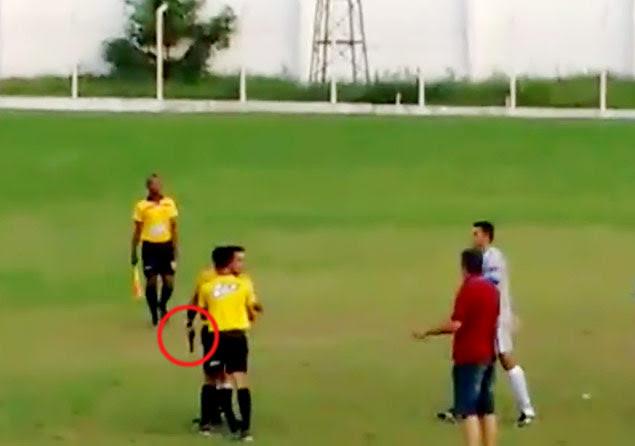 Em Brumadinho, árbitro saca arma durante discussão em partida de futebol