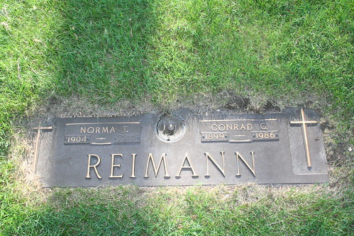 Tombstone of Norma and Conrad Reimann