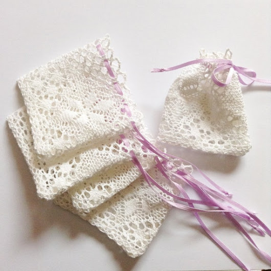 25 pcs Cotton lace favor bags with satin ribbon by leonorafi