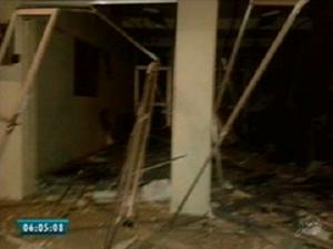 Grupo estava armado de pistolas, escopetas e fuzis (Foto: Reprodução/TV Verdes Mares)
