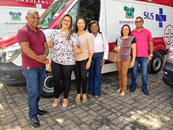 Vereadores Renda e Aize participam de solenidade de entrega de ambulância para o município de João Câmara