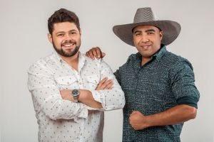 Bruno & Lucas lançam Stalkeando nas plataformas digitais