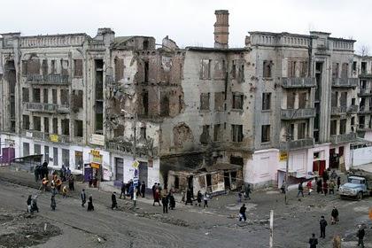 Описана реакция чеченцев на публичную казнь в центре Грозного в 1997 году