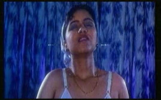 Reshma After Bath UNCENSORED Scene !! HD