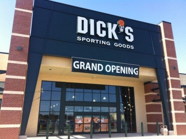 Thieves Mace Naperville Dick's Employees to Steal Clothes: Police