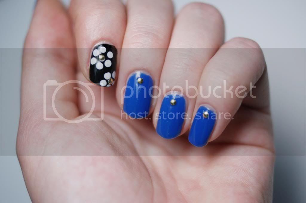 Mani Monday Julep Monaco Sally Hansen I heart Nail Art Studs Kit