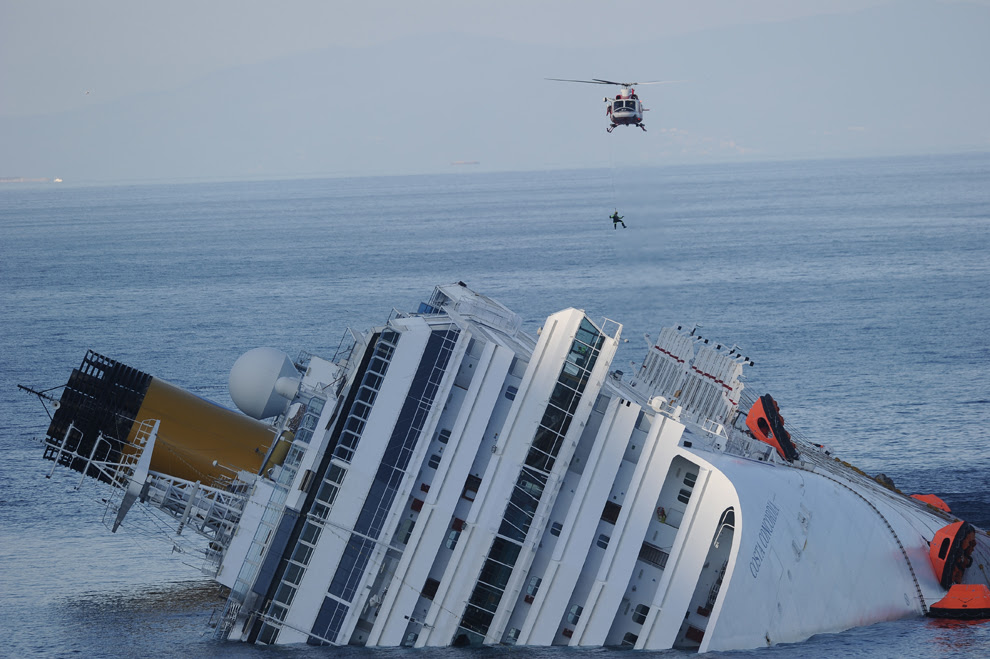 Costa Concordia Cruise Ship Runs Aground Off Coast Of Italy Photos The Big Picture Boston Com