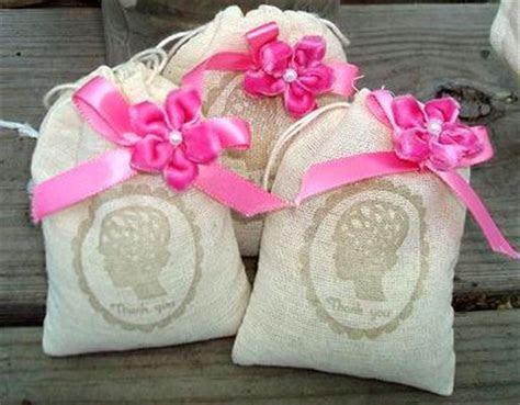 Roundup: Dollar Store Wedding Ideas » Dollar Store Crafts