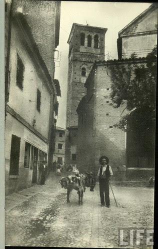 Iglesia de Santo Tomé  de Toledo a principios del siglo XX. Archivo de la revista Life