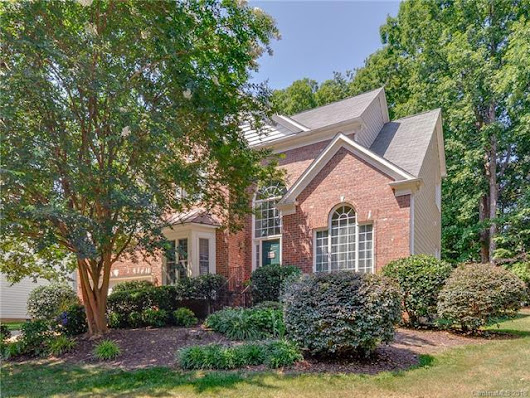 7619 Tarland Lane, Charlotte, NC 28269 (#3405056) :: The Ramsey Group