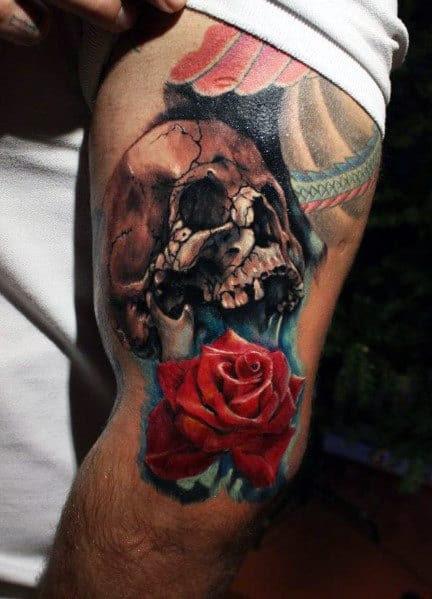 Tatuagem De Rosa E Crânio De Homens