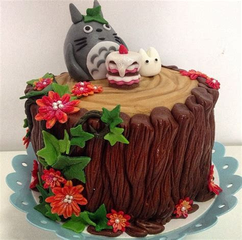 These Totoro Cakes Are Just Too Cute To Eat