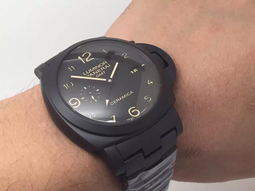 PAM 438 Wrist Shot
