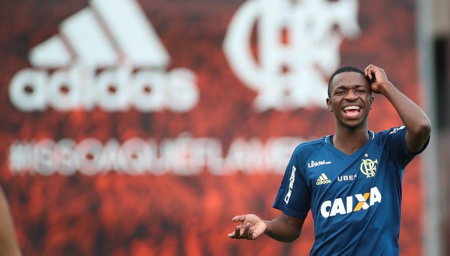 Real Madrid e Flamengo anunciam acordo de venda de Vinicius Junior
