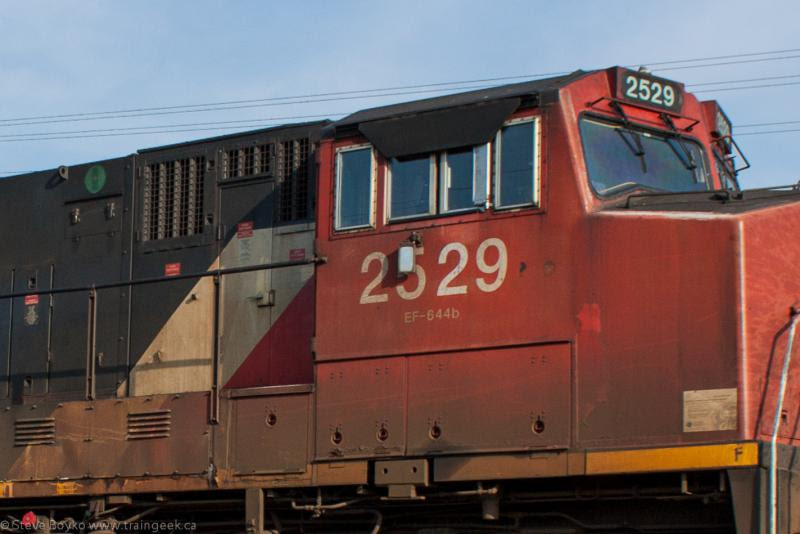 CN 2529 outside Winnipeg