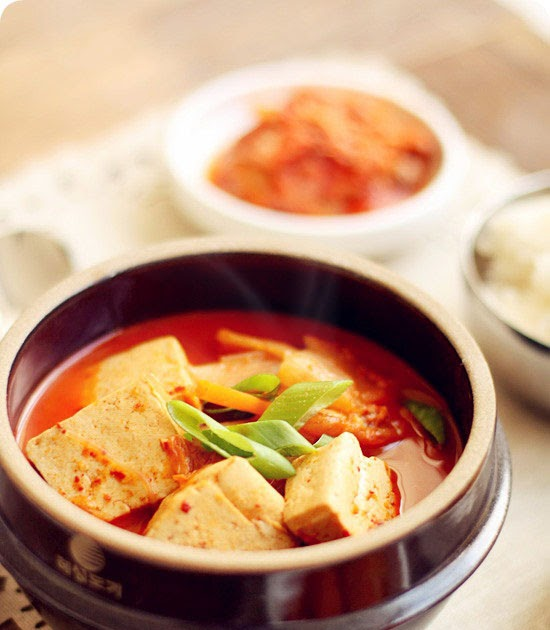 Kimchi jjigae evan 39 s kitchen ramblings for J kitchen korean japanese restaurant