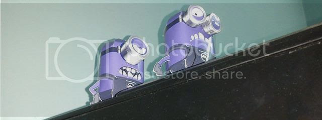 photo minions_purple_2 paper replika via papermau 02_zpssmi6an0r.jpg